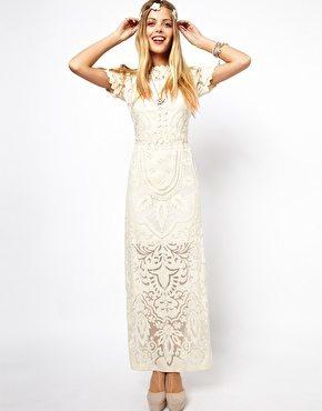 Longue robe a dentelle